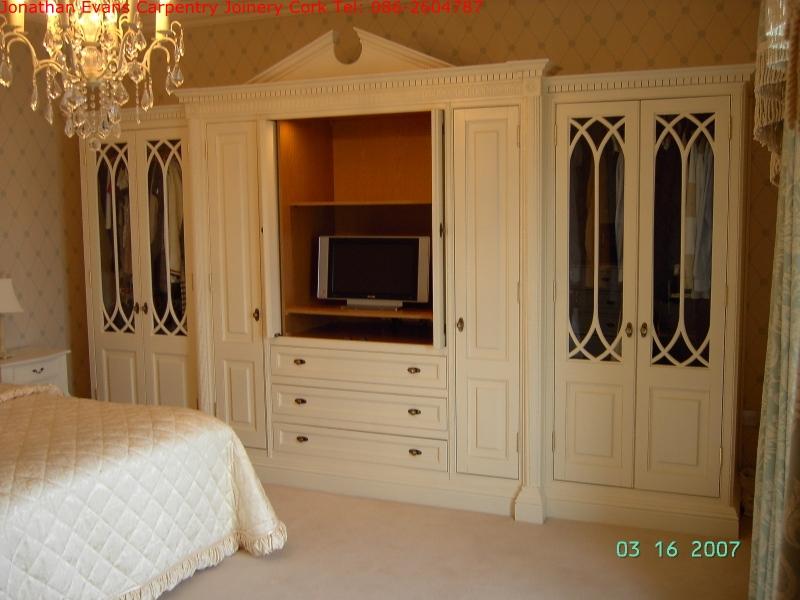 round-window-005-period-furniture-cork-tel-0862604787